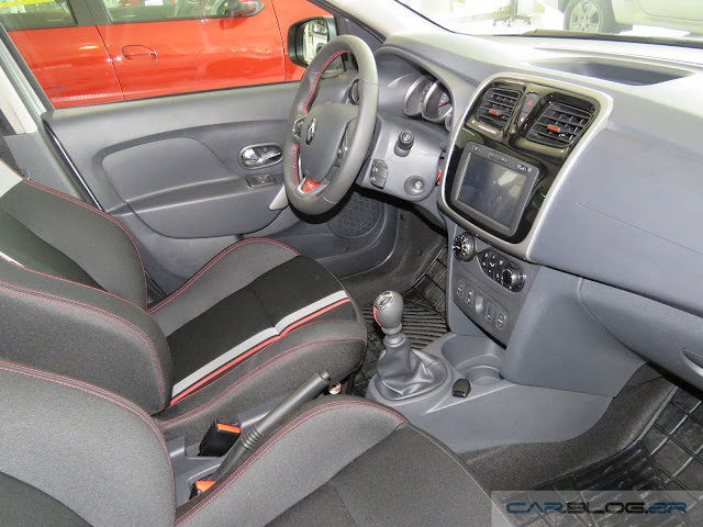 Renault Sandero RS 2.0 - interior - painel