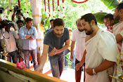 Allu Arjun Trivikram Movie Opening Photos-thumbnail-14