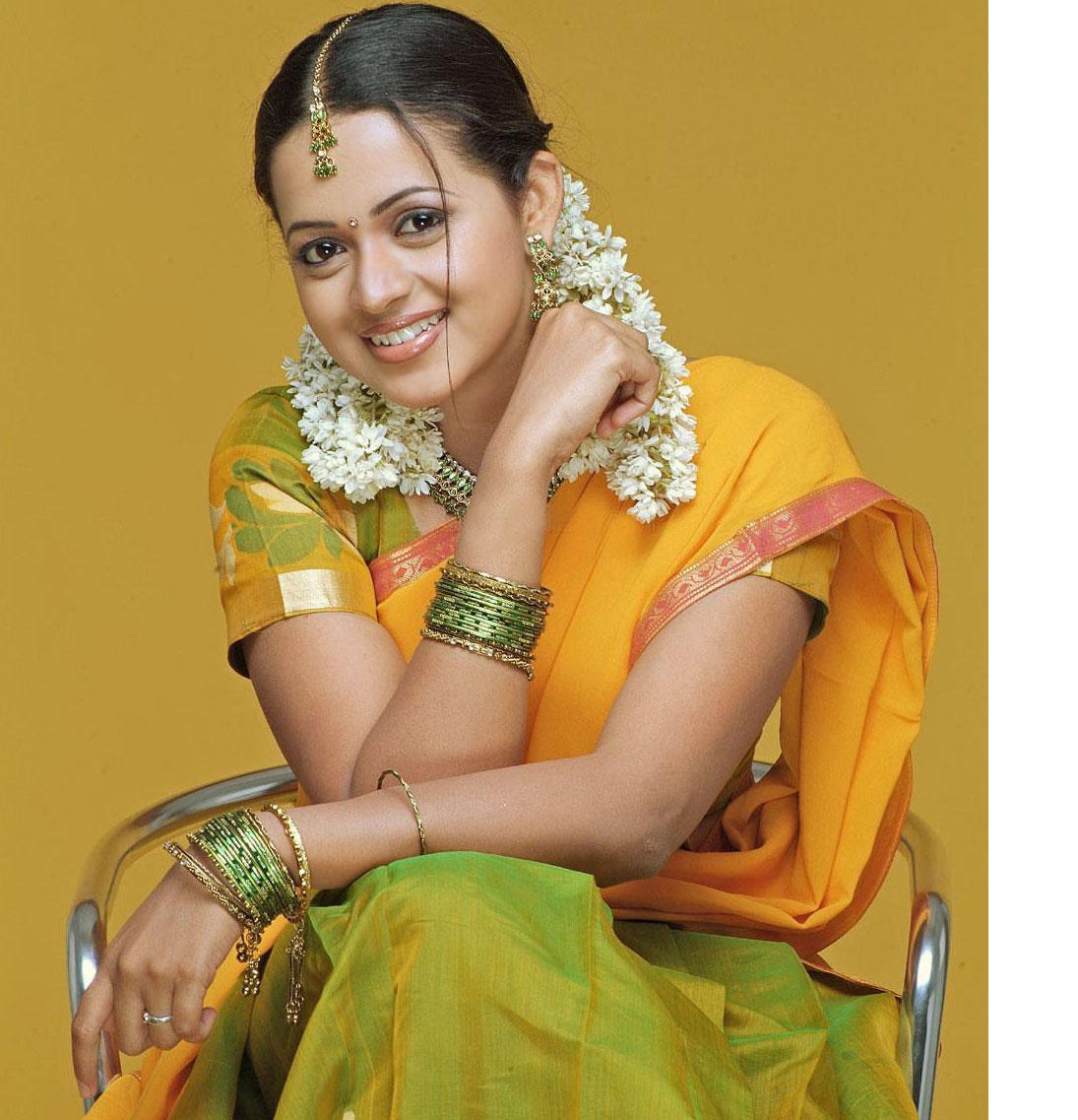 SOUTH INDIAN MOVIES MASALA: South Indian Actress Bhavana