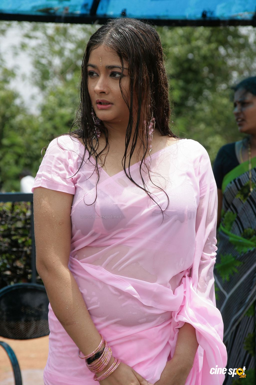 http://3.bp.blogspot.com/-dRIda6W7wTk/TzKqEx2nN8I/AAAAAAAAEuk/o2VvN_iwNPM/s1600/High+School+Telugu+Movie,+Photos,+(3).jpg