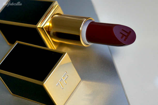 Tom Ford Lip Color Matte Black Dahlia, Review, Swatch, Tom Ford Lip Color Matte, Holiday 2014. Sofia Vergara Makeup