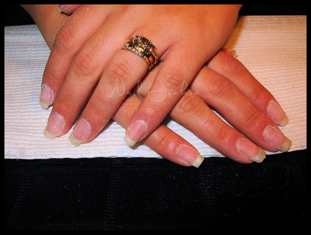 Nail junkie how to properly safely remove acrylic nails for Acrylic nails salon