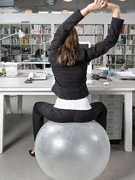 cambiar la silla por un baln de pilates