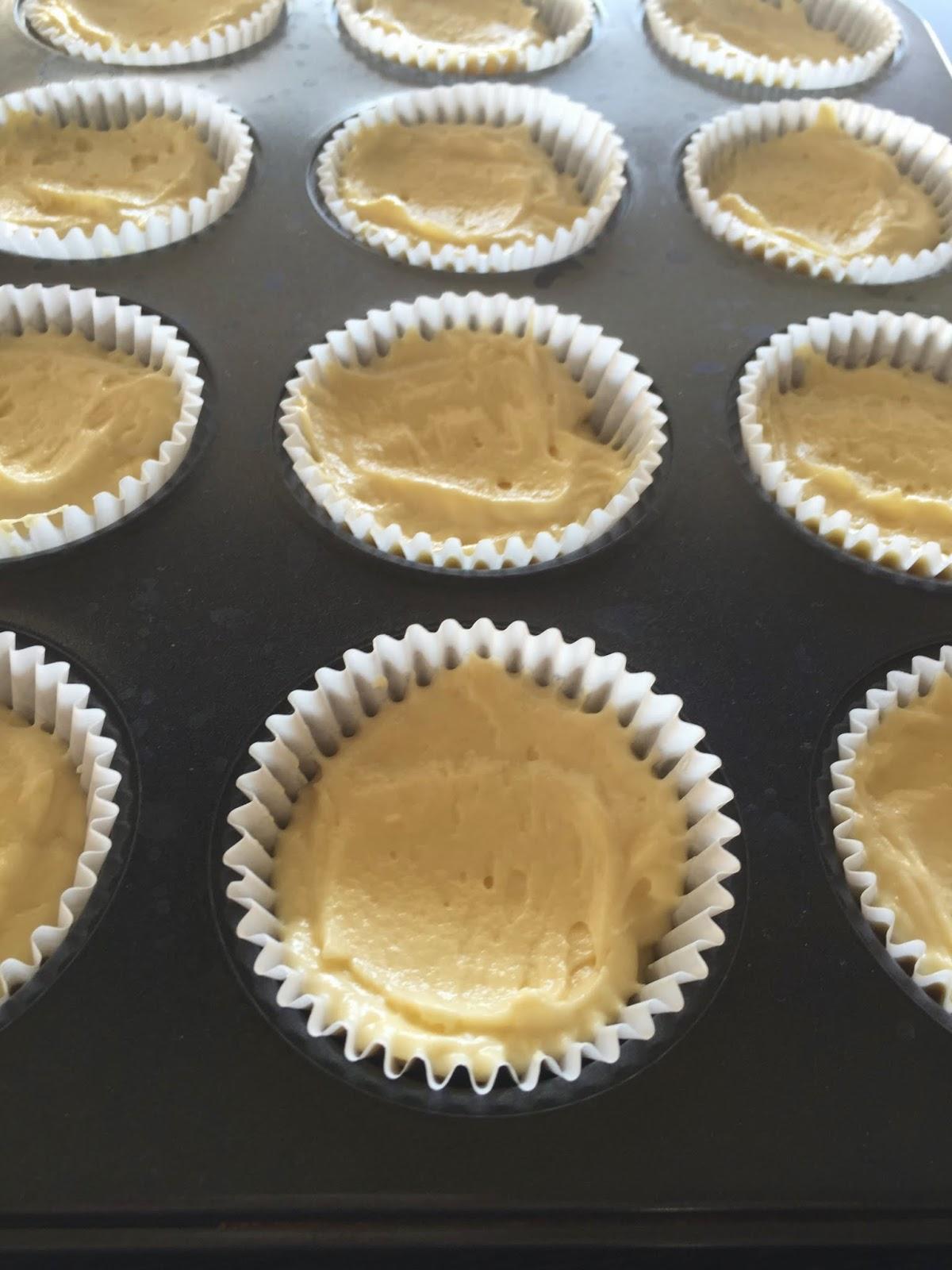 Cassie Cakes Lemon Meringue Cupcakes cupcakes step 3