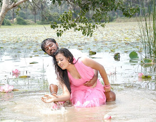 Roopa Kaur Hot stills in Senkadu Movie Video