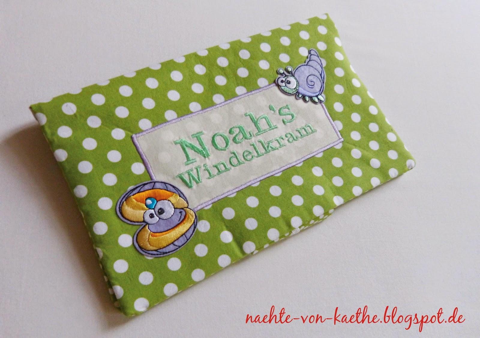Windeltasche in grün mit Polka Dots und Aufbüglern (Seeschnecke und Muschel)