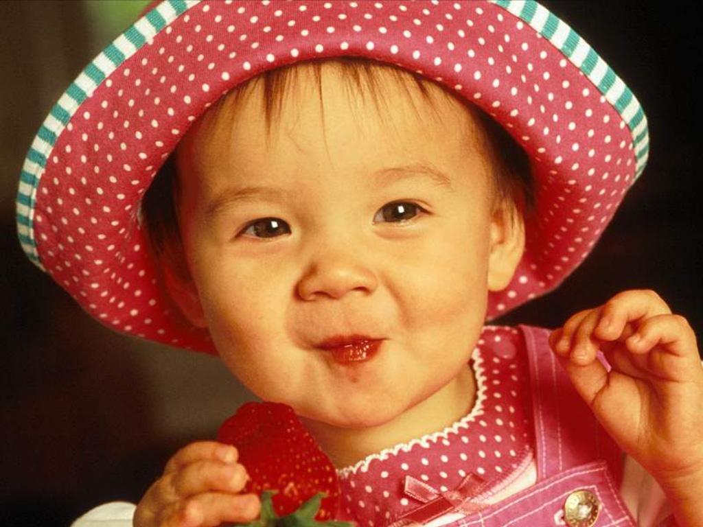 http://3.bp.blogspot.com/-dSEVW5zwFiQ/TcVx3pcdsjI/AAAAAAAAKZo/4nUb-APrtgM/s1600/cute-baby-wallpaper.jpg
