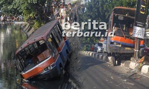 Mau Di Bawa Kemana Nasib Metro Mini di Jakarta