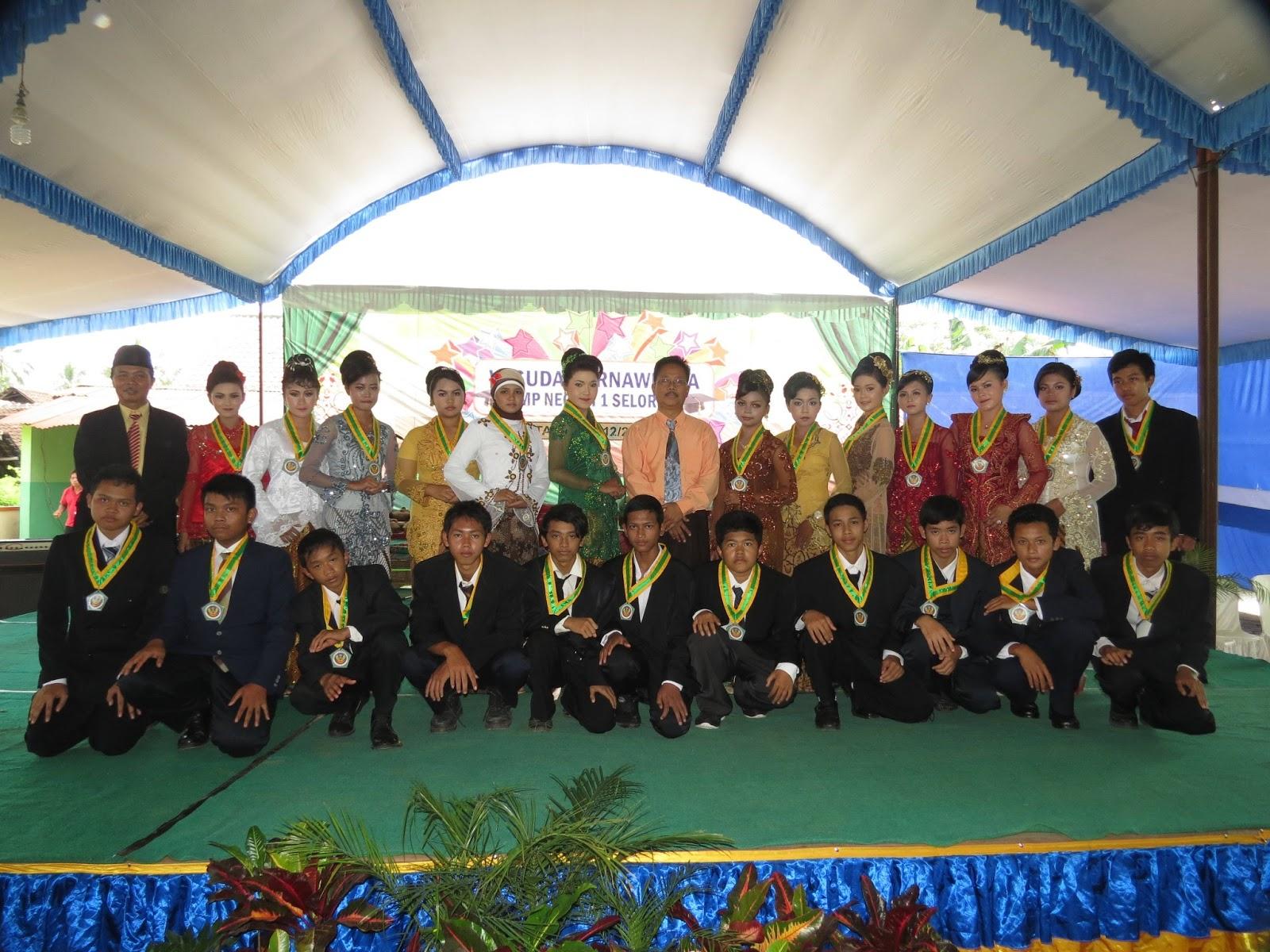 Perpisahan Wisuda Purnawiyata Smpn 1 Selorejo Tahun 2012 2013 Smp Negeri 1 Selorejo