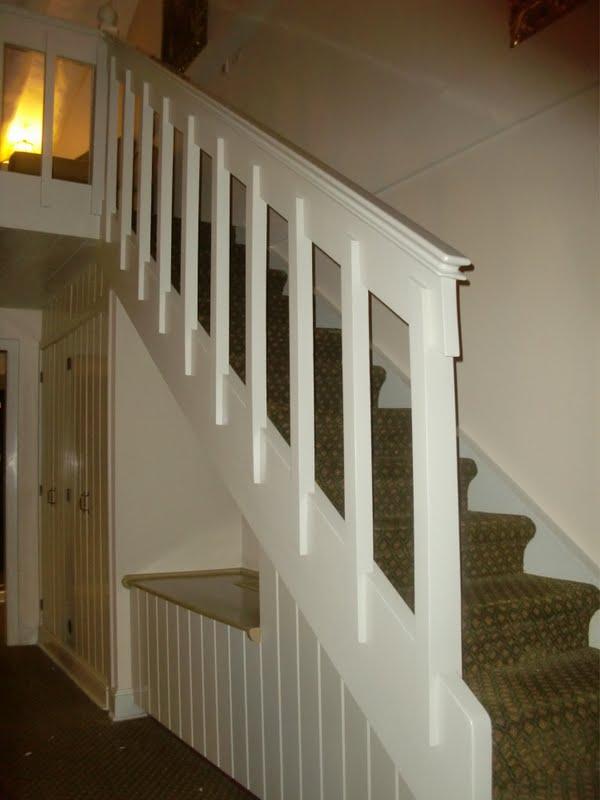 Decoraciones manualidades en madera retoques en un mueble blanco pintado - Como decapar un mueble en blanco ...