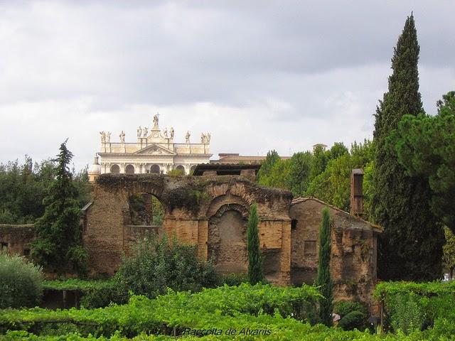S Croce in Gerusalemme e il presepe vivente ambientato nell'Anfiteatro Castrense