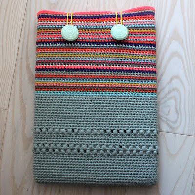 free crochet pattern laptop sleeve