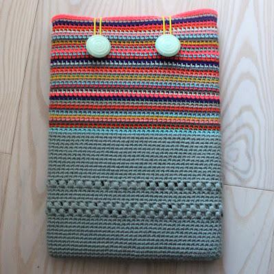 free crochet pattern laptop sleeve