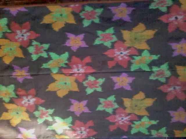 kain tenun bunga