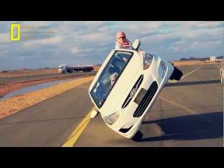 Atraksi Mobil Gila di Arab