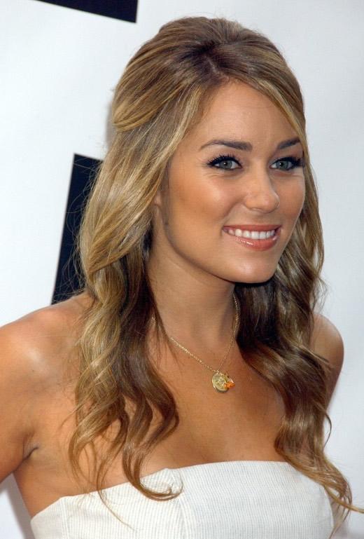 Modela tu cabello semirecogidos o media cola con rizos 2013 - Peinados de fiesta con rizos ...