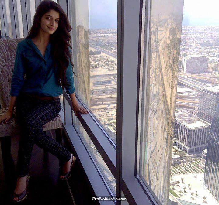 Mawra , without makeup, in Dubai - Pakistani Celebrities Updates