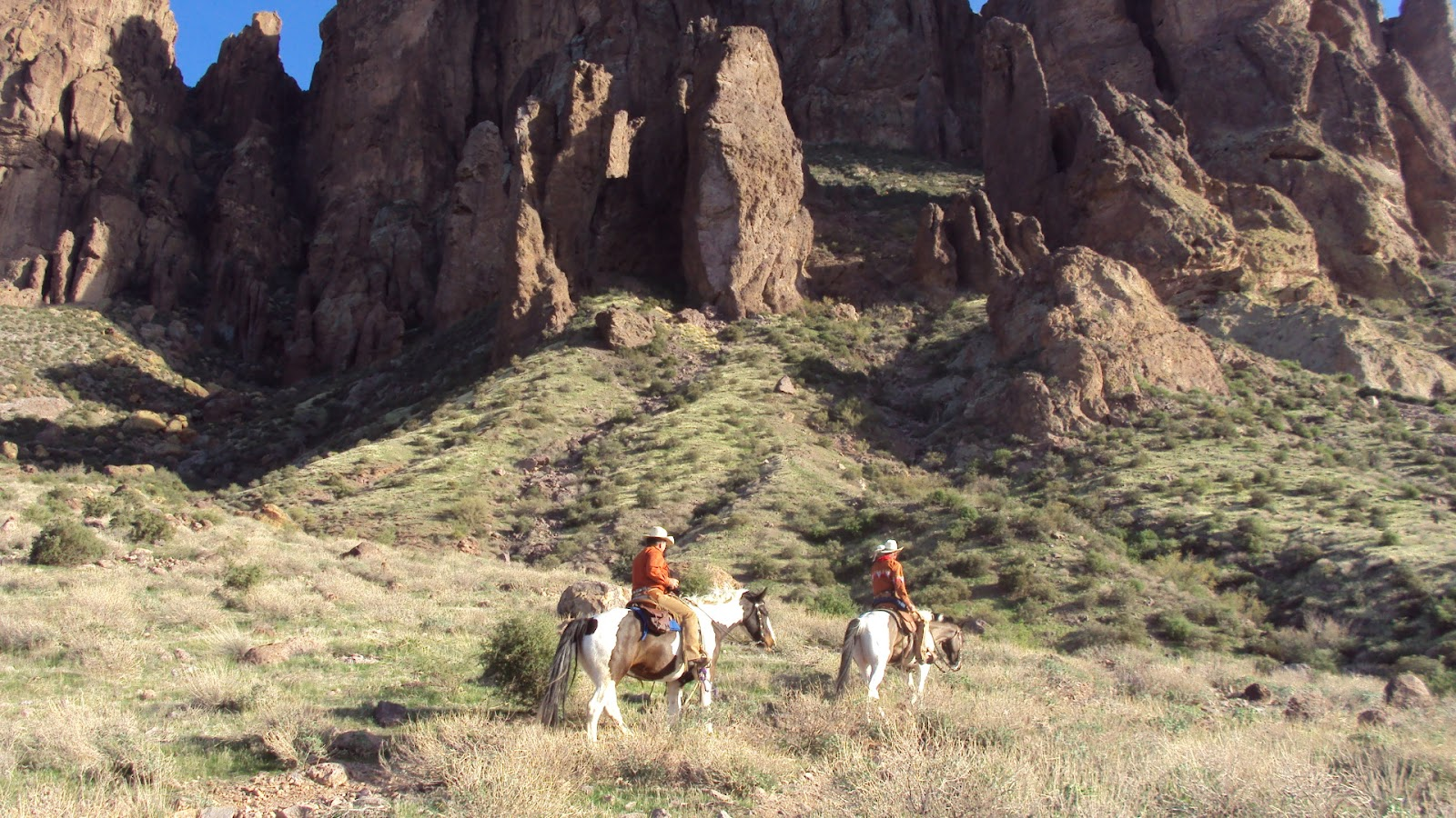 Camping and horses more pictures for apache junction we did yesterday we took a trail up to the left side of superstition mountains just below the praying hands ron myself sharon phoebe and stefanie solutioingenieria Image collections