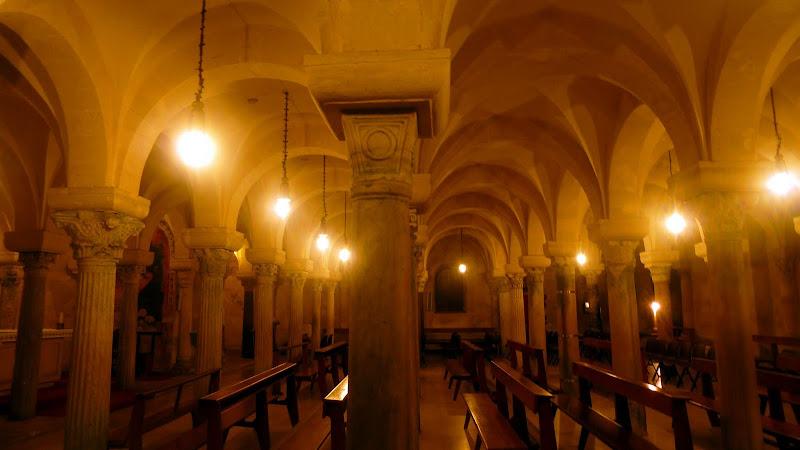 Die Krypta der Kathedrale von Otranto mit ihren 42 Säulen
