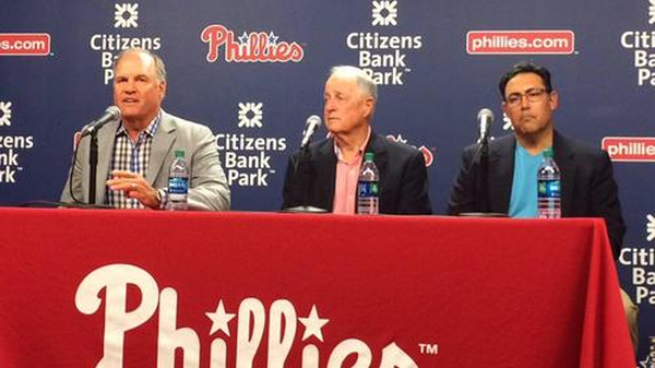 Ryne Sandberg Resigns as manager of Phillies