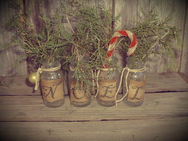 primitive christmas trees christmas decor and needfuls - Primitive Christmas Decor