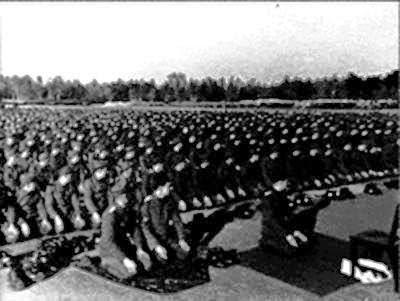 tentara nazi jerman-pun sholat