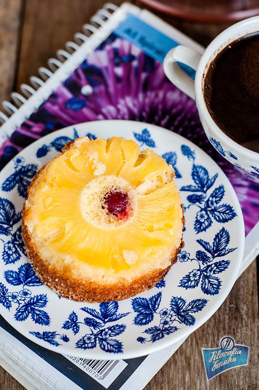 Odwracane ciasto z ananasem przepis