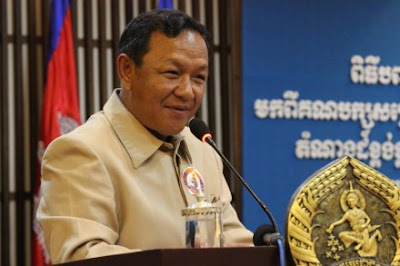 http://kimedia.blogspot.com/2013/12/city-hall-warns-monks-over-political.html