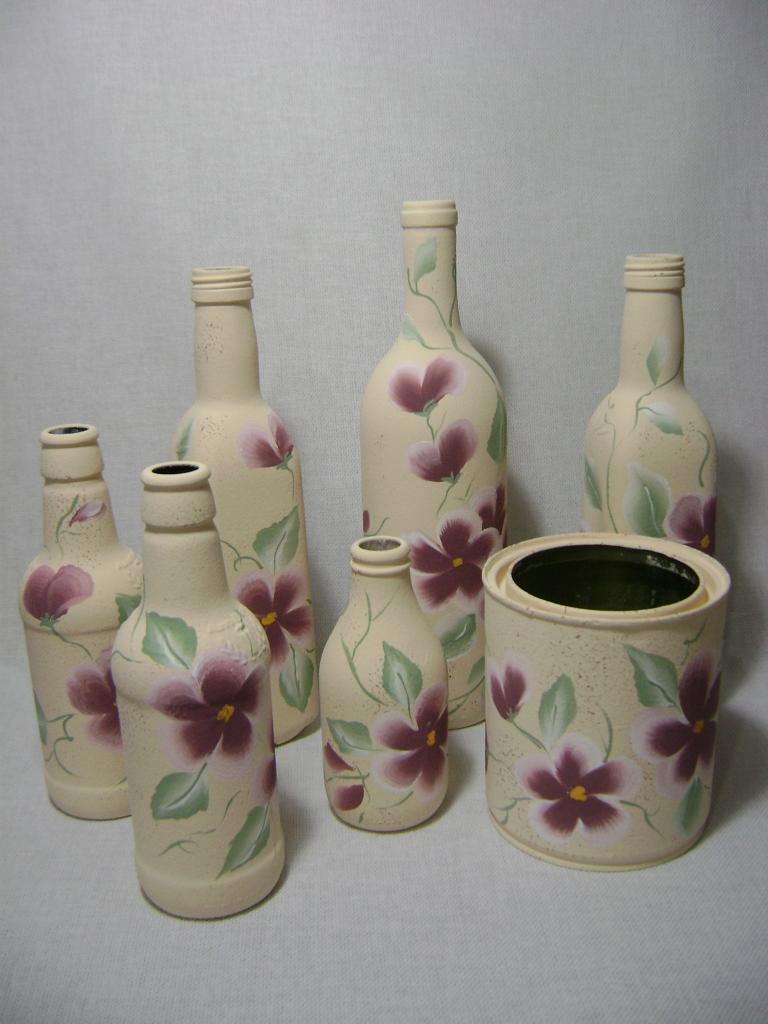 Atelie cantinho da arte decorando com garrafas e latas for Pintura para decoupage