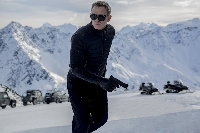 First Look of Daniel Craig as James Bond in Spectre Solden Austria