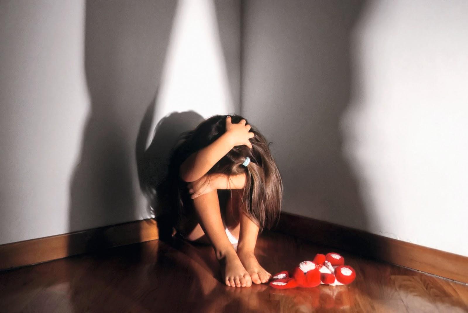 Risultati immagini per foto di minori maltrattati