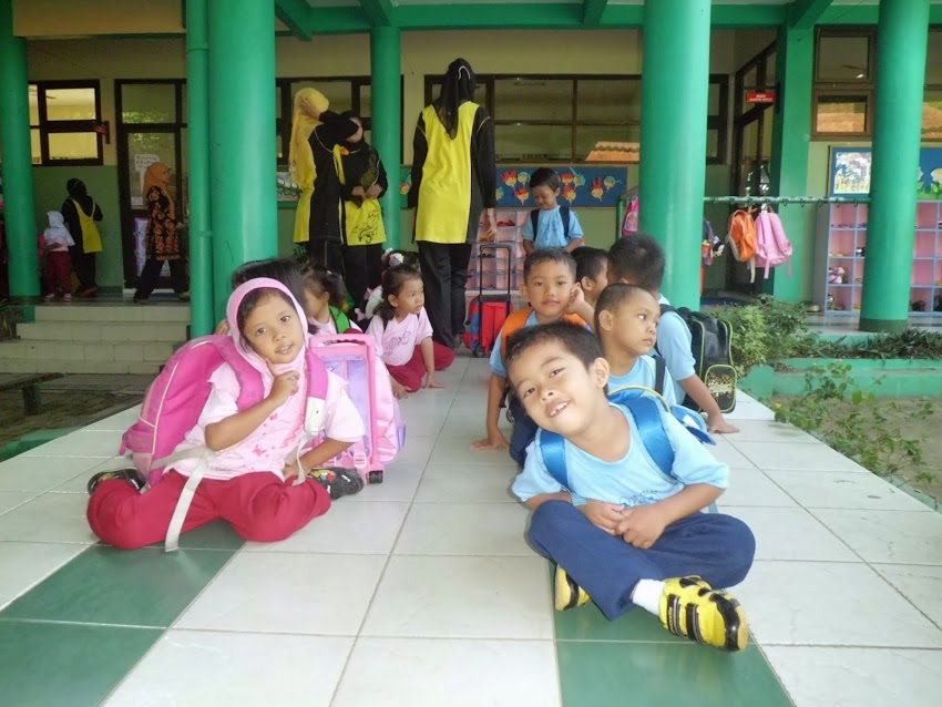 Sweet Moment With Students of SLBN Semarang