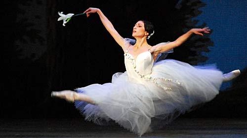Resultado de imagem para imagem de bailarina ballet classico em movimento