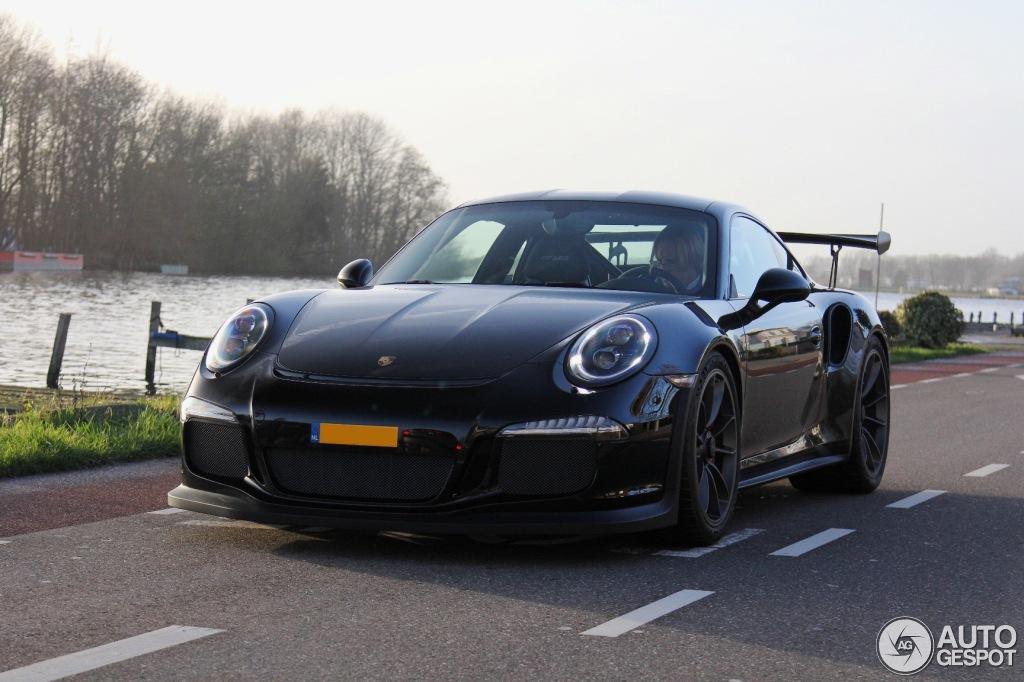 Black Porsche 911 Gt3 Rs Looks Rather Serious