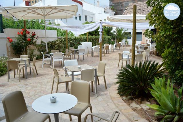 La terraza de Can Luca es enorme y preciosa