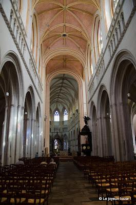 Quimper - cathédrale Saint Corentin - choeur désaxé