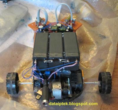 Robot sensor jarak dengan infrared