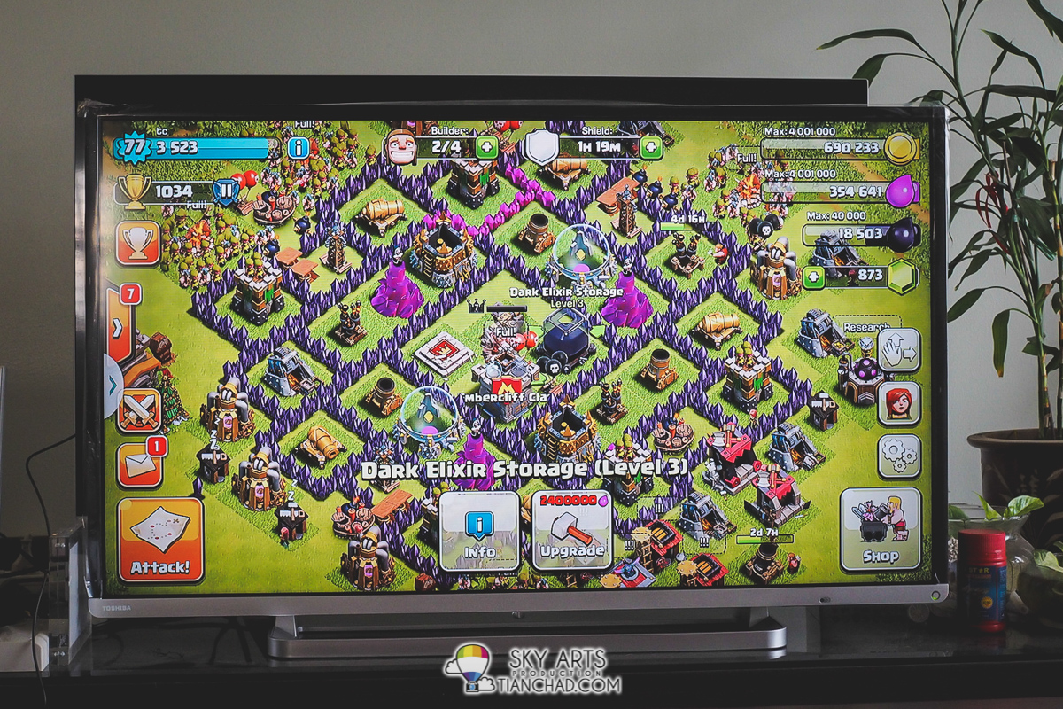 Playing Clash of Clan on Toshiba Pro Theatre L5400 Series