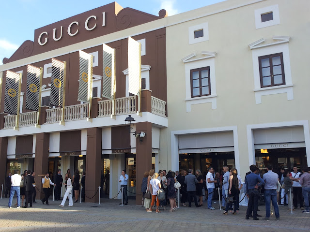 OPENING GUCCI- SICILIA OUTLET VILLAGE