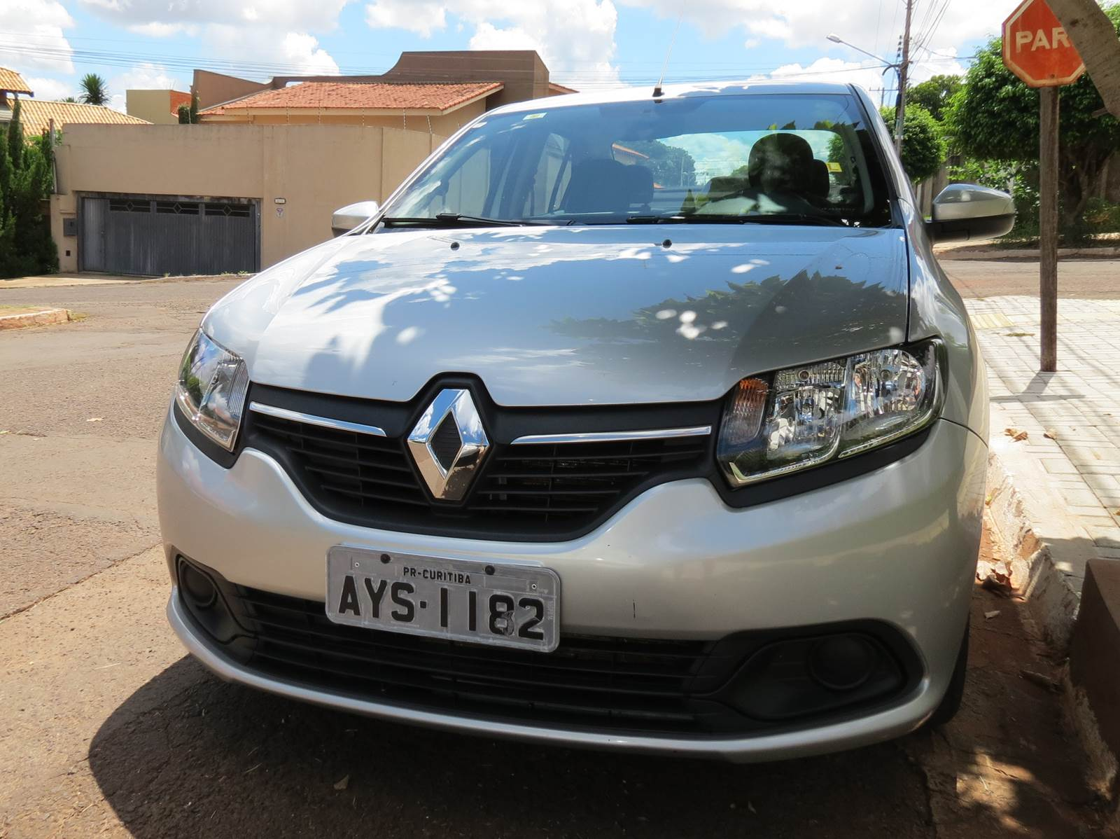 Renault Sandero - vendas para locadoras