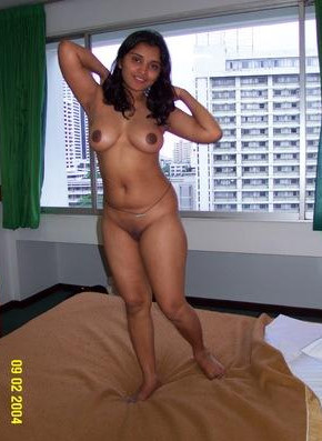 naked indian auntys images