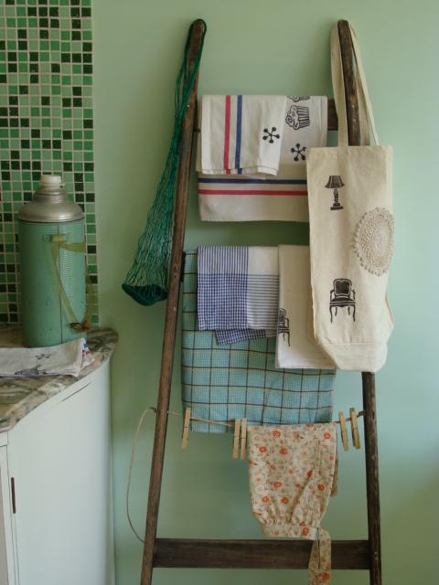 Crea vintage decorar con escaleras for Escaleras para decorar