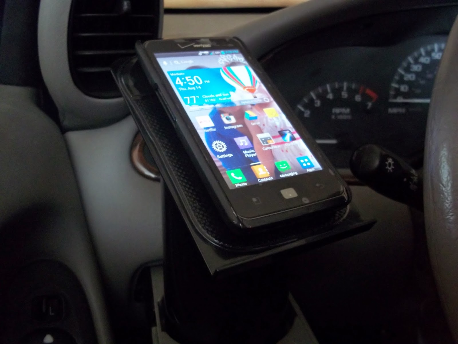 Helping Hand Cell Phone Holder Review