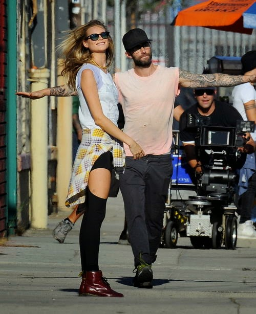 Adam Levine married his model fiancee Behati Prinsloo