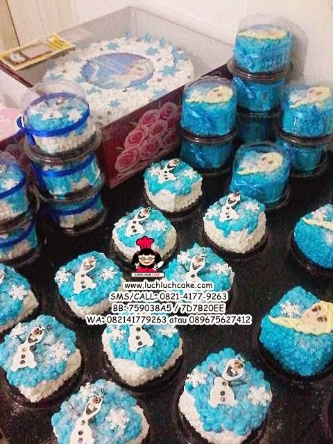 Mini Cake Souvenir Ultah Frozen Elsa Dan Olaf