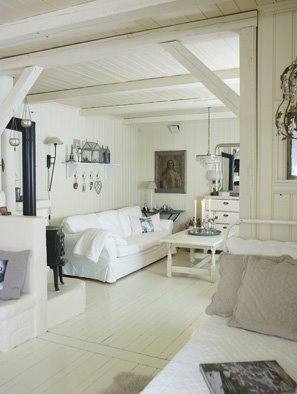 coastal style shabby chic beach house. Black Bedroom Furniture Sets. Home Design Ideas