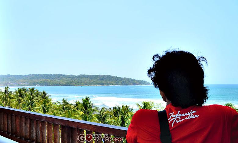 dari hotel Menara Laut