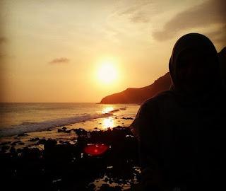gambar pantai menganti di sore hari