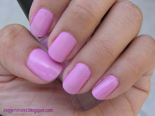 Bubblegum color nail polish