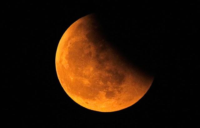 fotografías impresionantes, eclipse de luna, Shanghai